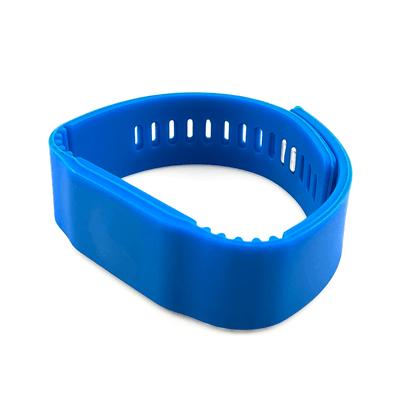 RFID Silikonový náramek s kovovými patentkami