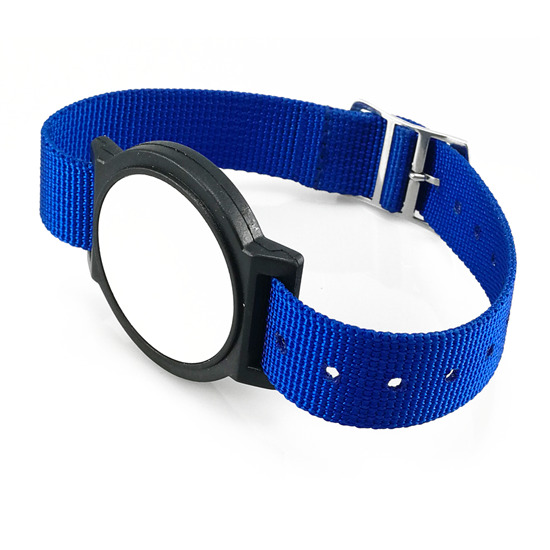 Čipové hodinky s nylonovým páskem